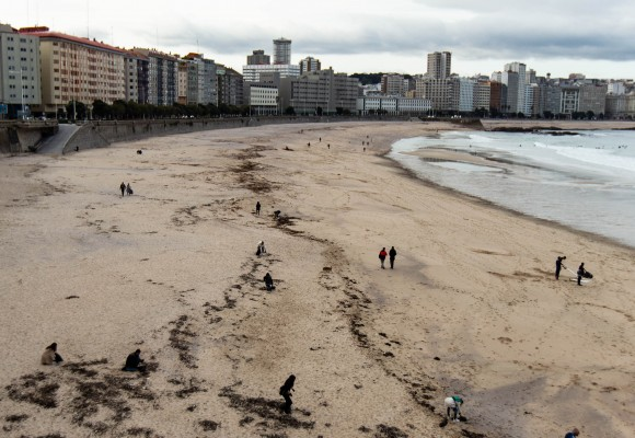 17 October: new beach cleaning in A Coruña